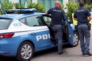 SIRACUSA -LA POLIZIA DI STATO DENUNCIA TRE PERSONE E SEGNALA UN GIOVANE PER POSSESSO DI DROGA