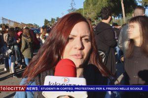 (VIDEO) Studenti in corteo. Protestano per il freddo nelle scuole.