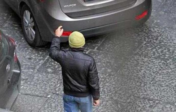 Parcheggiatori abusivi, controlli dei carabinieri di Siracusa