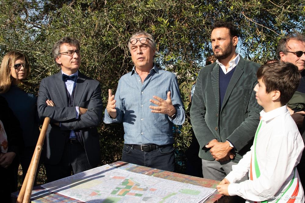 """SIRACUSA. PIANTATI 1000 ALBERI DI LECCIO: LA CITTA' SEMPRE PIU' """"GREEN"""""""